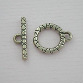Bronze toggle with yarn design (Bronze)