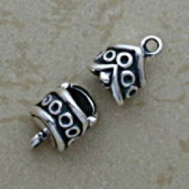Jump ring motif